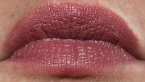 Essence Long-Lasting Lipstick in Barely There!