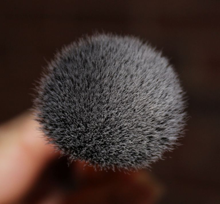 Real Techniques Buffing Brush tip